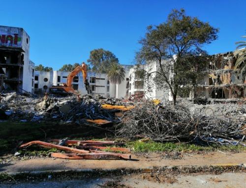 Demolición antigua Residencia de Mayores de Montequinto